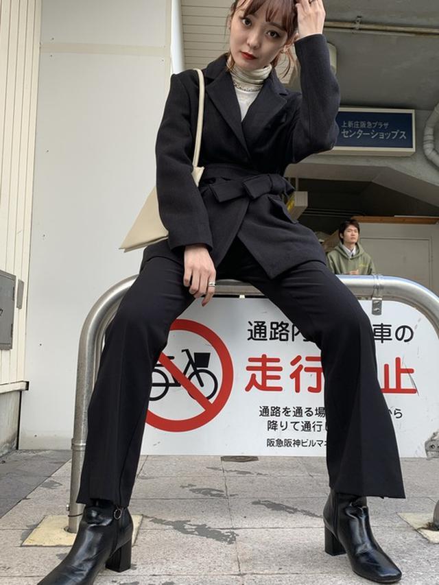 画像: 【no brand】ジャケット¥9,899(税込)バッグ¥3,900(税込)ボトムス¥4,900(税込) 出典:WEAR