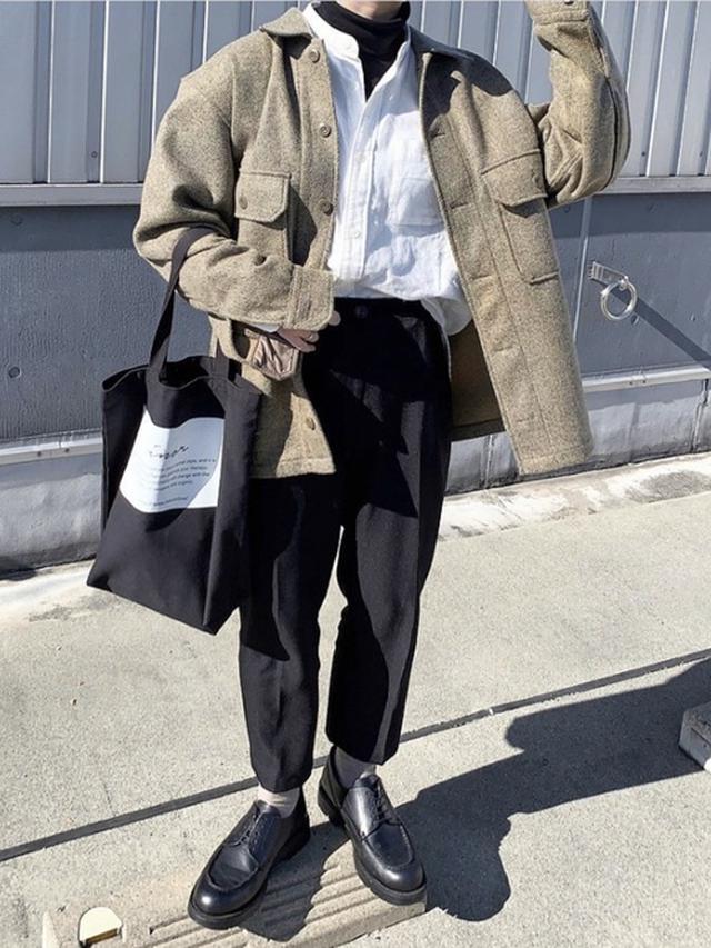 画像: 【UNIQLO】シャツ¥2,189(税込)ジャケット¥5,489(税込)【hotping】スラックス¥3,544(税込) 出典:WEAR