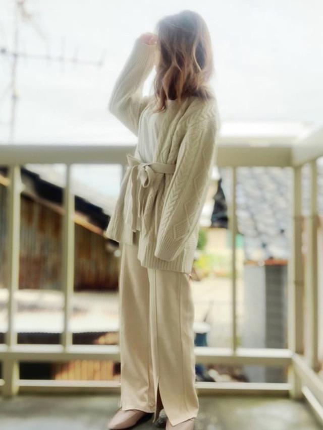 画像: 【GU】ケーブルベルテッドカーディガン ¥2,189(税込) 【しまむら】パンツ平均価格 ¥2,000~ 出典:WEAR