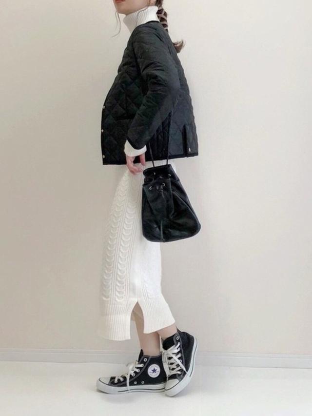 画像: 【Roomy's】オフタートルケーブルニットワンピース ¥6,991(税込) 【Traditional Weatherwear】ARKLEY 出典:WEAR