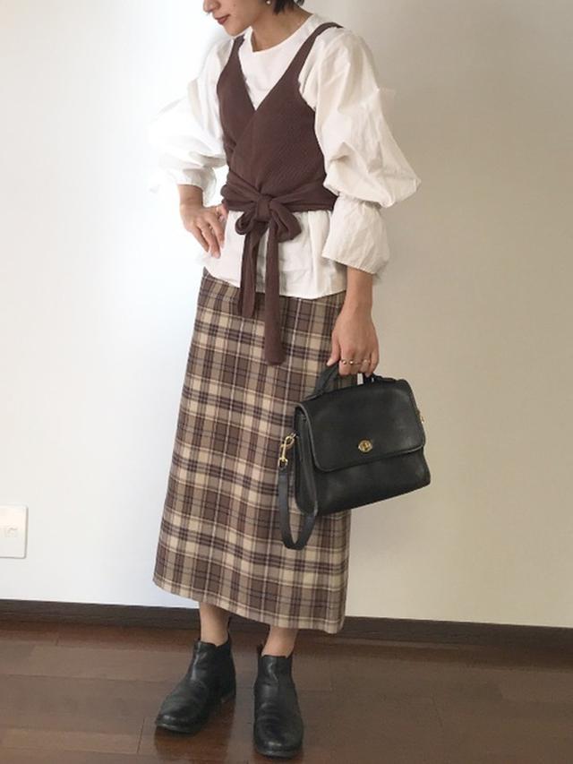 画像: 【GU】スカート平均価格 ¥2,000~ 【Arumlily】ニットビスチェアンサンブルブラウス ¥16,280(税込) 出典:WEAR