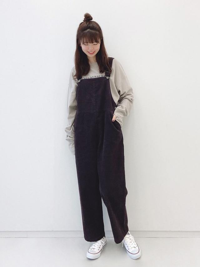 画像: 【Samansa Mos2 blue】サロペット¥6,600(税込)カットソー¥4,400(税込) 出典:WEAR