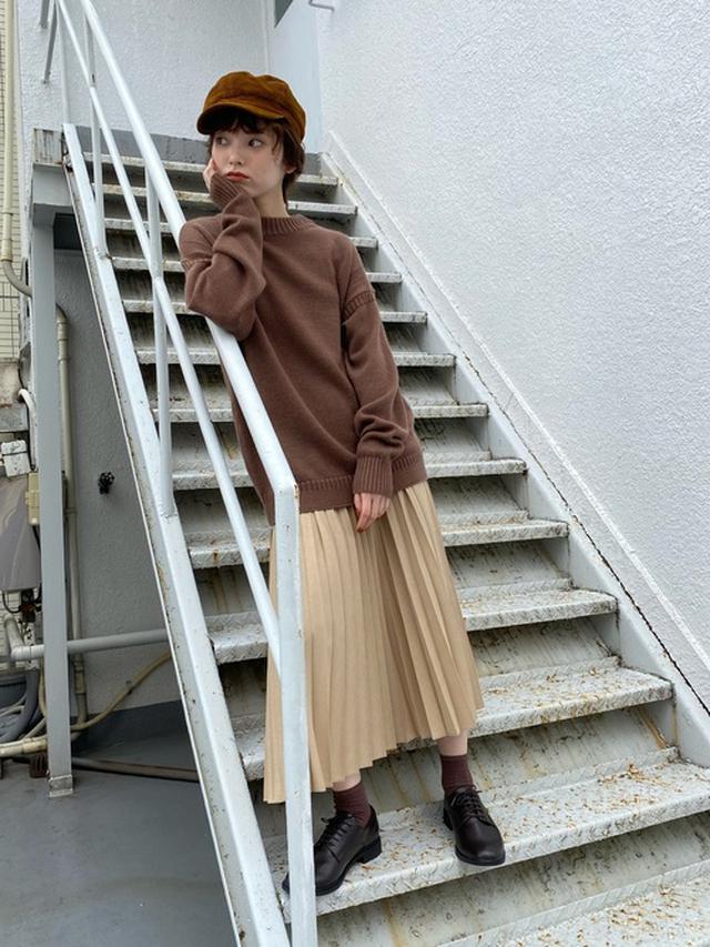 画像: 【ユニクロ】プリーツロングスカート ¥3,289(税込) ニット平均価格 ¥3,000~ 出典:WEAR