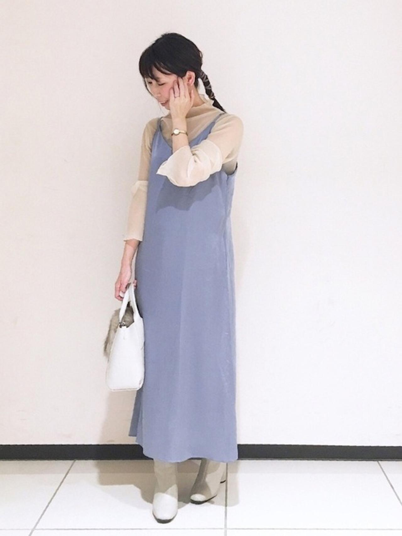 画像: 【Te chichi】インナー¥3,300(税込)ワンピース¥9,350(税込)ブーツ¥9,350(税込)バッグ平均価格¥6,000〜 出典:WEAR