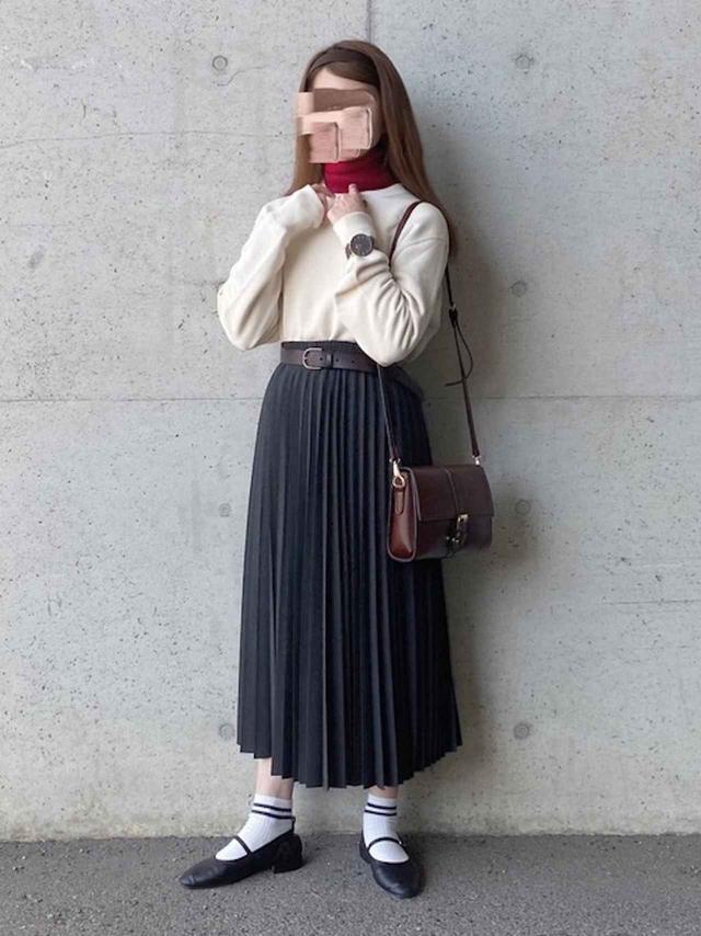 画像: 【ユニクロ】アコーディオンプリーツロングスカート¥3,289(税込) 出典:WEAR