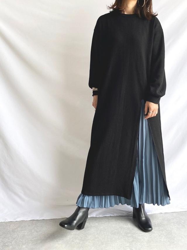 画像: 【She's Closet】ランダムサーマル ワッフル スリット入り 長袖ロング丈ワンピース¥3,990(税込み) 出典:WEAR