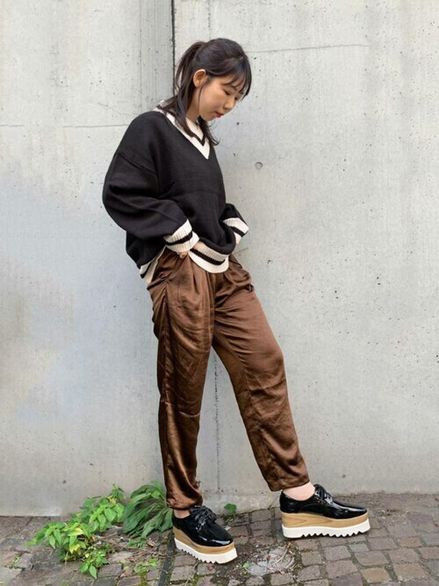 画像: 【STYLEBLOCK】ニット¥4,380(税込)パンツ¥4,980(税込)ローファー¥5,980(税込) 出典:WEAR