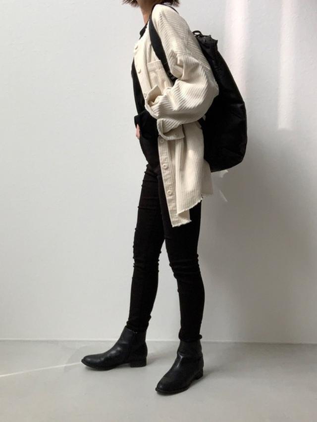 画像: 【select MOCA】ジャケット¥6,215(税込)【UNIQLO】ジーンズ平均価格¥4,000~ ショートブーツ¥4,389(税込)2WAYトートバッグ平均価格¥1,500~ 出典:WEAR