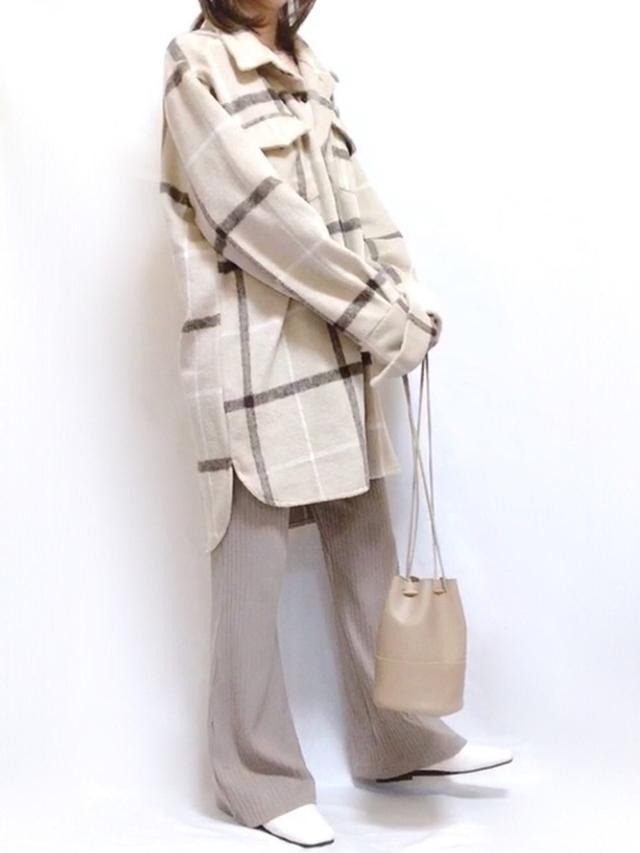 画像: 【fifth】アウター¥4,829(税込)【and Me】パンツ¥1,890(税込)【DHOLIC】バッグ¥2,992(税込) 出典:WEAR