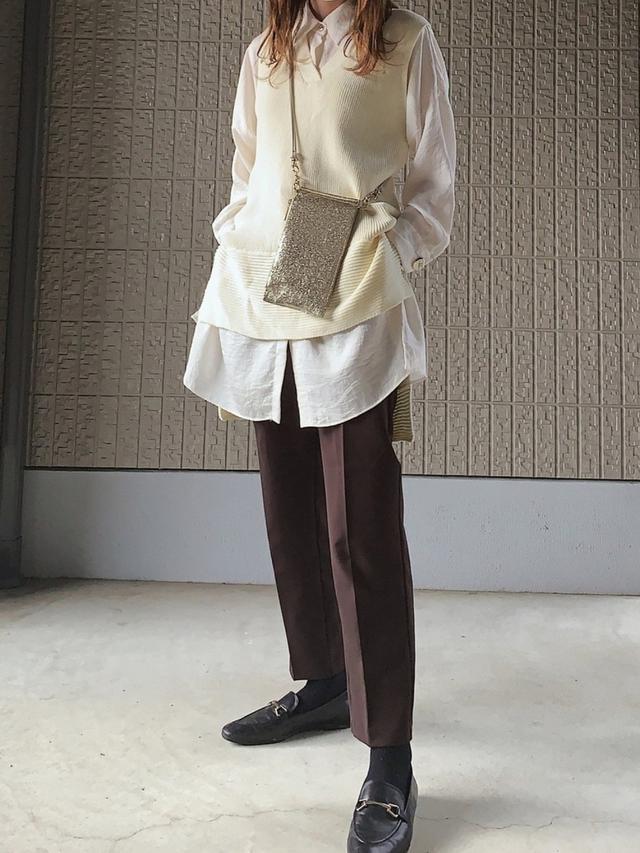画像: 【GU】パンツ平均価格¥2,000〜【参考商品】シャツ、ベスト、バッグ、シューズ 出典:WEAR