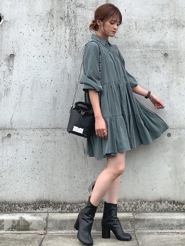 画像: 【ZARA】ワンピース平均価格¥6,000~【Maison Margiela】ブーツ¥143,000(税込) 出典:WEAR