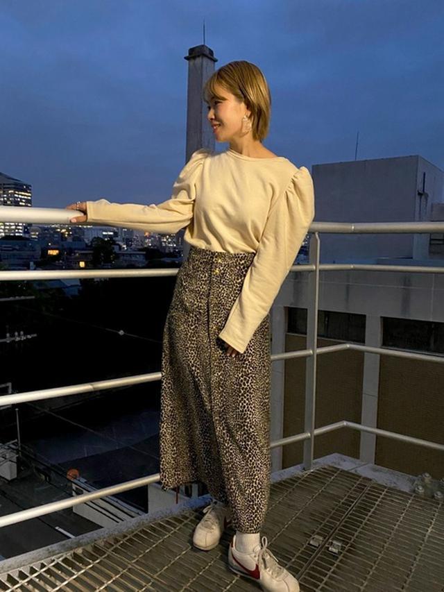 画像: 【ZARA】トップス 【SLOBE IENA】スカート¥11,204(税込)【NIKE】スニーカー¥11,000(税込) 出典WEAR