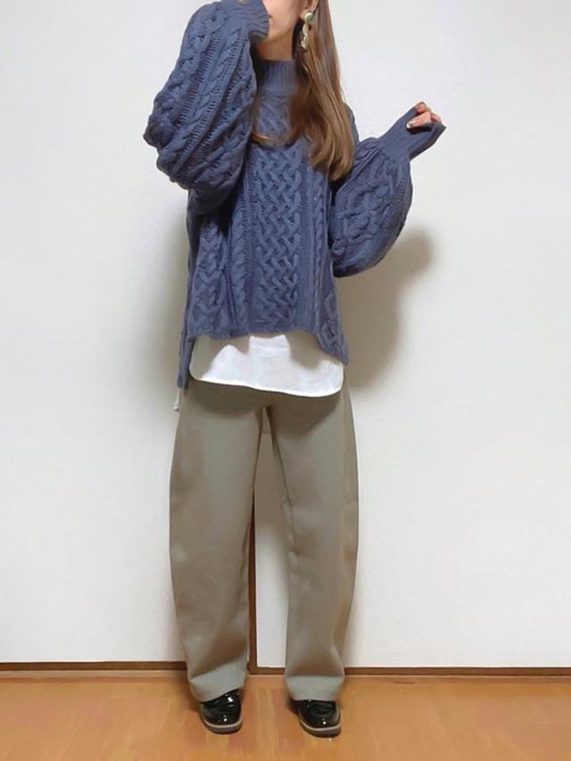 画像: 【kutir】ニット¥2,595(税込)【UNIQLO】パンツ¥4,380(税込)【参考商品】シューズ¥2,189(税込) 出典:WEAR