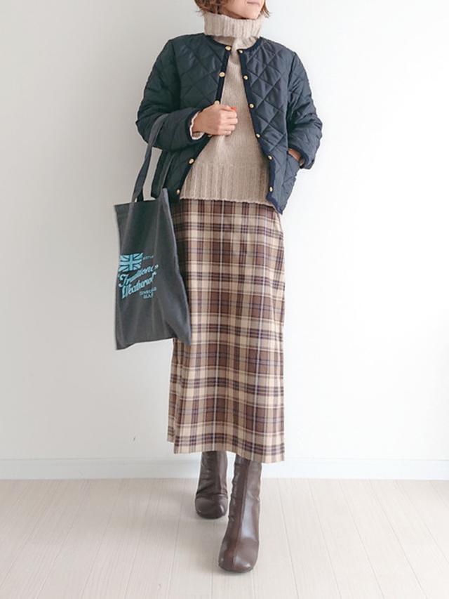 画像: 【GU】スカート平均価格 ¥2,000~ 【Shelly island】タートルニットプルオーバー ¥6,160(税込) 【Traditional Weatherwear】ARKLEY ¥25,300(税込) 【Birthday room】シンプルショートブーツ ¥5,940(税込) 出典:WEAR