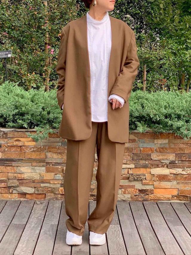 画像: 【NIKE】Air Max 95 ¥18,700(税込) 【TODAYFUL】カラーレスベルトジャケット ¥18,700(税込) センタープレスワイドパンツ ¥14,300(税込) 出典:WEAR
