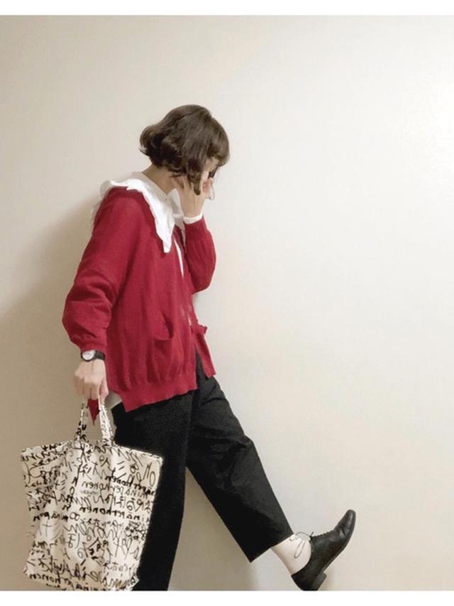 画像: 【w closet】ブラウス¥5,390(税込)【chausser】シューズ平均価格¥20,900〜(税込) 出典:WEAR
