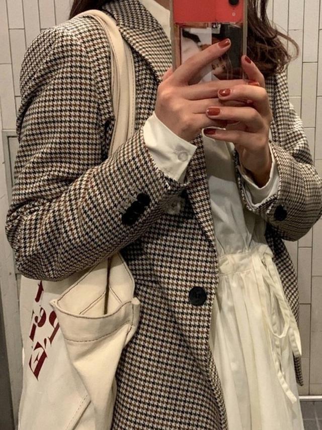 画像: 【H&M】ジャケット¥4,999(税込)【H&M】トップス¥1,799(税込) 出典:WEAR