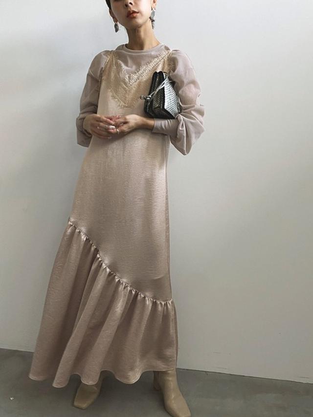 画像: 【AMERI】LADY LAYERED CAMI DRESS¥20,350(税込み)ECO LEATHER LONG BOOTS¥35,200(税込み) 出典:WEAR