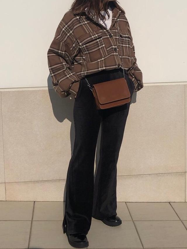 画像: 【GRL】シャツ¥1,833(税込)スウェット¥1,527(税込)パンツ¥1,730(税込)ブーツ¥1,730(税込)【17kg】バッグ平均価格¥2,500~ 出典:WEAR