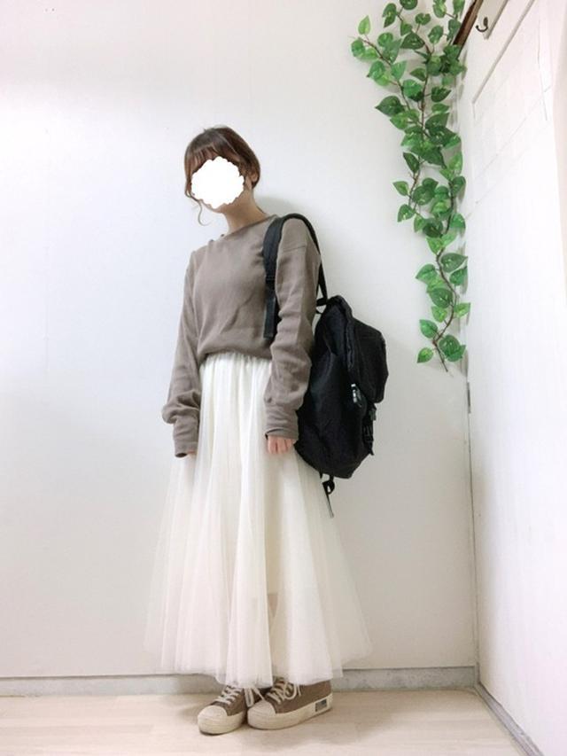 画像: 【GRL】スカート¥1,833(税込)【SM2】Tシャツ平均価格¥3,000~【WEGO】リュック¥2,519(税込) 出典:WEAR