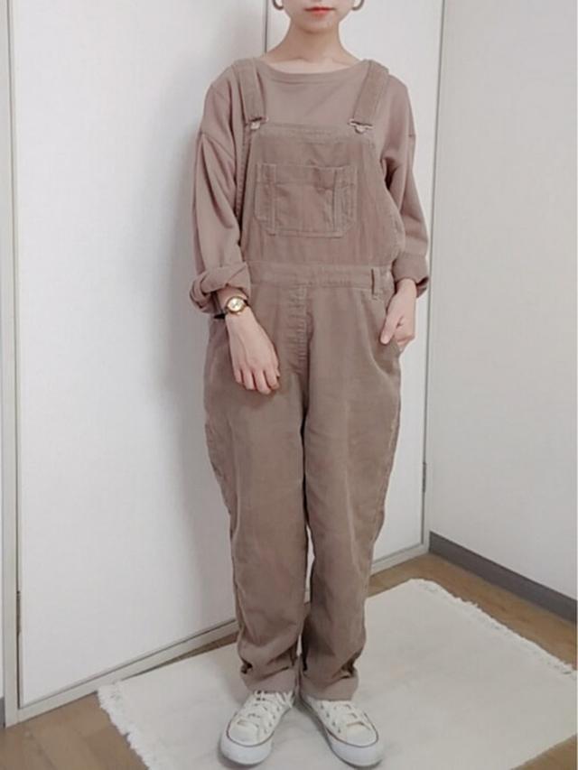画像: 【しまむら】サロペット平均価格 ¥2,000~ 【studio CLIP】裾布帛裏毛セットプルオーバー ¥4,389(税込) 【CONVERSE】ALL STAR OX ¥6,380(税込) 出典:WEAR