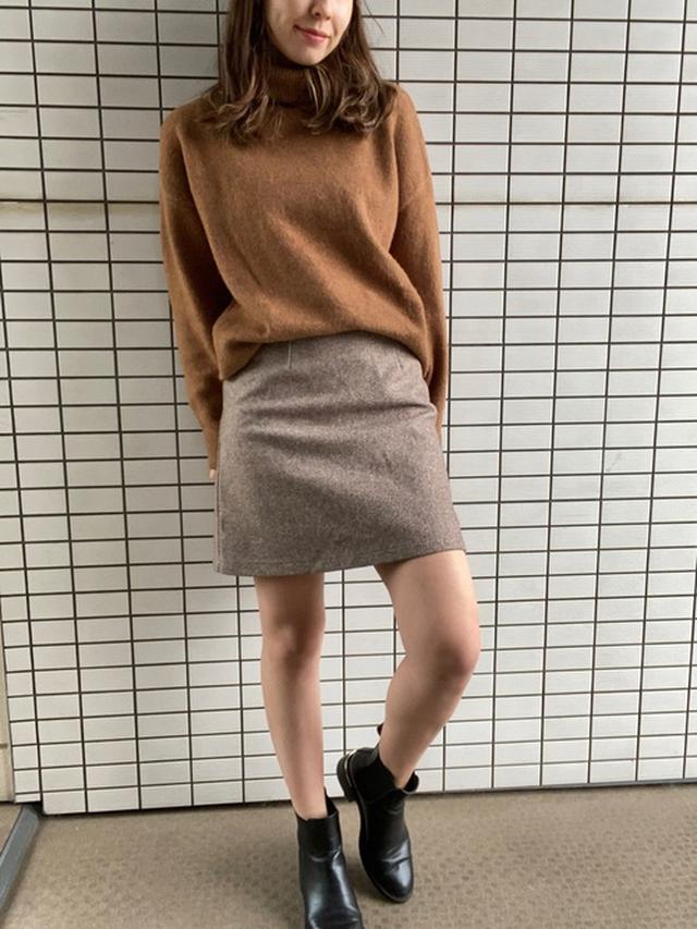 画像: 【H&M】ニット¥2,499(税込)【参考商品】スカート¥3,421(税込) 出典:WEAR