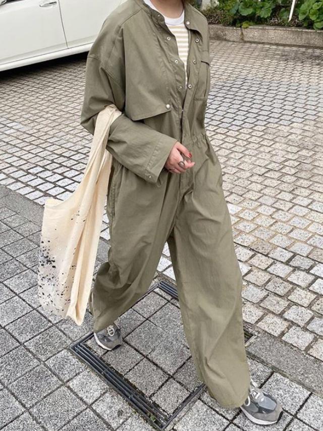 画像: 【KBF】ジャンプスーツ¥11,000(税込)【無印良品】Tシャツ平均価格¥1,000〜3,000(税込)【New Balance】スニーカー¥31,900(税込) 出典:WEAR
