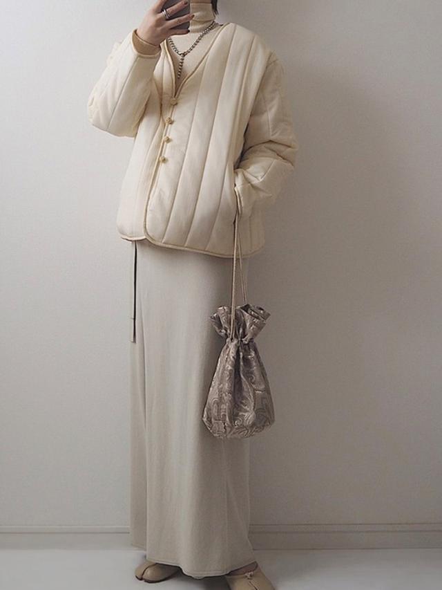 画像: 【しまむら】ジャケット平均価格 ¥3,000(税込) 【INTER FACTORY】ラップパンツスカート ¥5,940(税込) 【Lavish Gate】ジャガード巾着バッグ ¥5,940(税込) 出典:WEAR