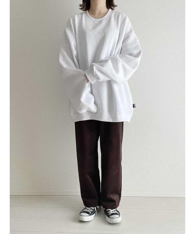 画像: 【Chillfar】ロゴ刺繍オーバーサイズスウェット ¥5,500(税込) 出典:ZOZOTOWN