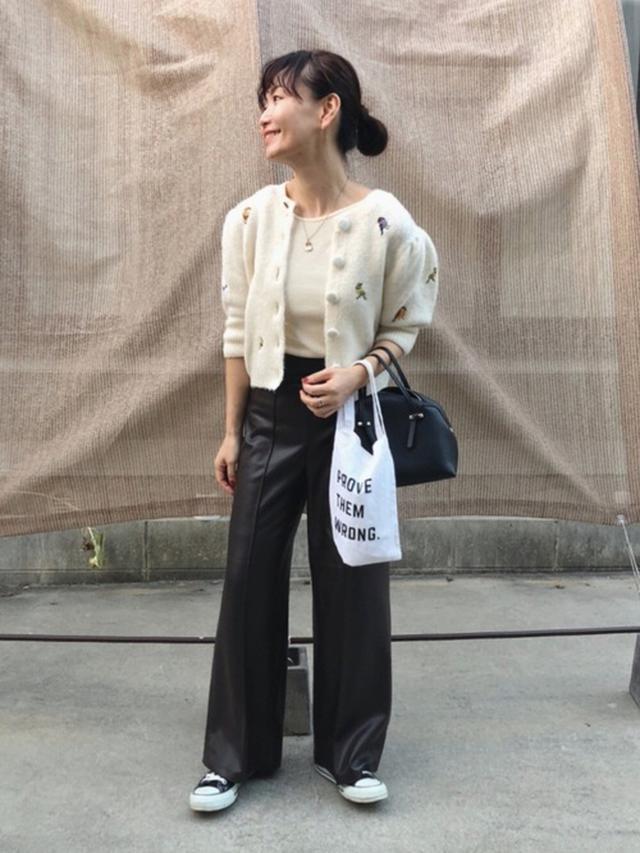 画像: 【ZARA】カーディガン平均価格 ¥5,000~ レザー風キュロットパンツ ¥5,990(税込) 出典:WEAR