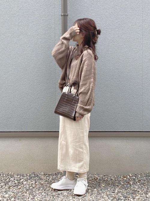 画像: 【fifth】ニット¥5,269(税込)【flaner】スカート¥5,500(税込) 出典:WEAR