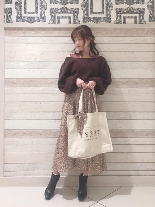 画像: 【earth music&ecology】ニット¥4,389(税込)ブーツ¥7,689(税込) 出典:WEAR