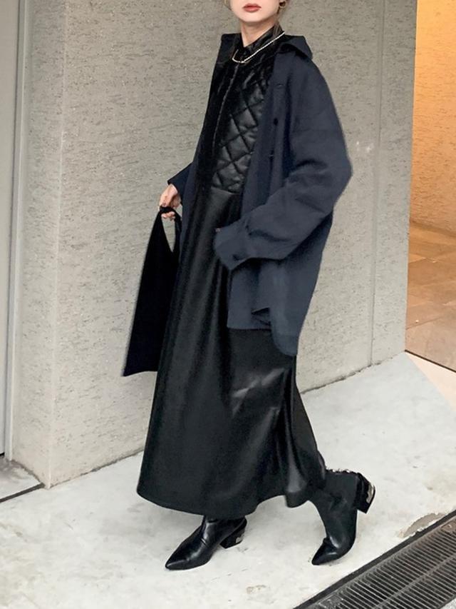 画像: 【SUPERTHANKS】TUXEDO QUILT FRONT DOLMAN SLEEVE ONE PIECE ¥14,960(税込) 【Solace】配色ステッチCPOシャツ ¥4,950(税込) 【TOGA PULLA】コンチョ付きショートブーツ ¥68,200(税込) 出典:WEAR