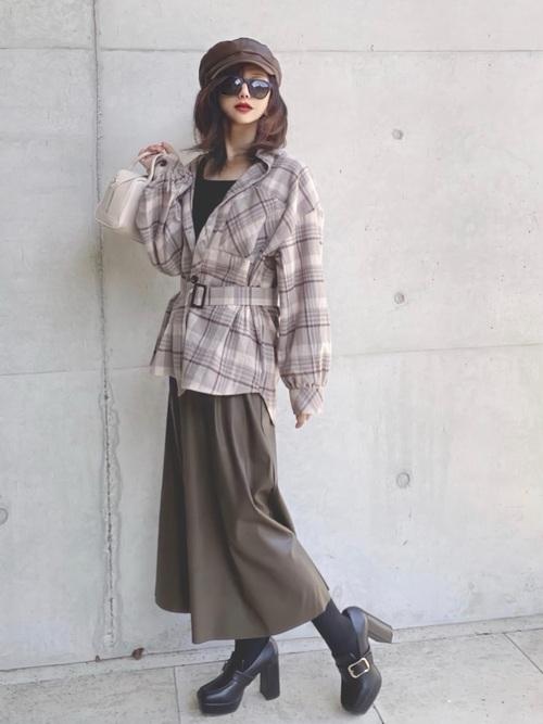 画像: 【Toyome】シャツ¥3,238 【classicalelf】タンクトップ¥2,999 【GU】スカート平均価格¥2,000~ 【NOFALL】シューズ¥3,299 出典:WEAR