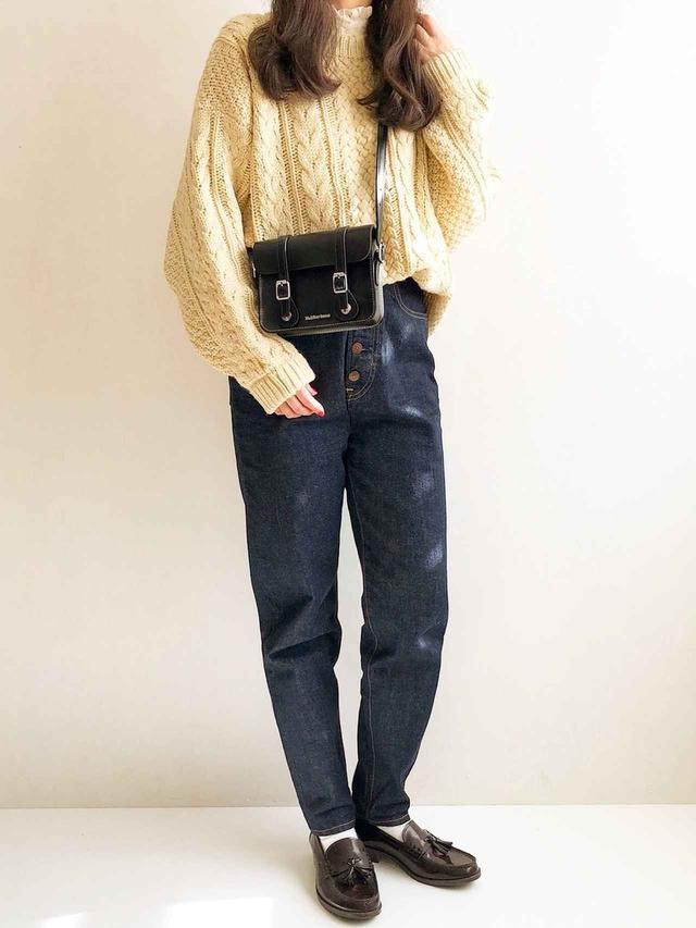 画像: 【HARUTA】ローファー¥12,980(税込)【靴下屋】ソックス¥440(税込) 出典:WEAR