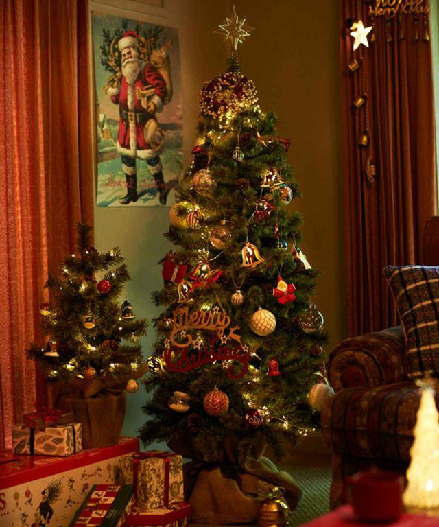 画像: 【niko and...】クリスマスツリー150cm ¥12,100(税込) 出典:ZOZOTOWN