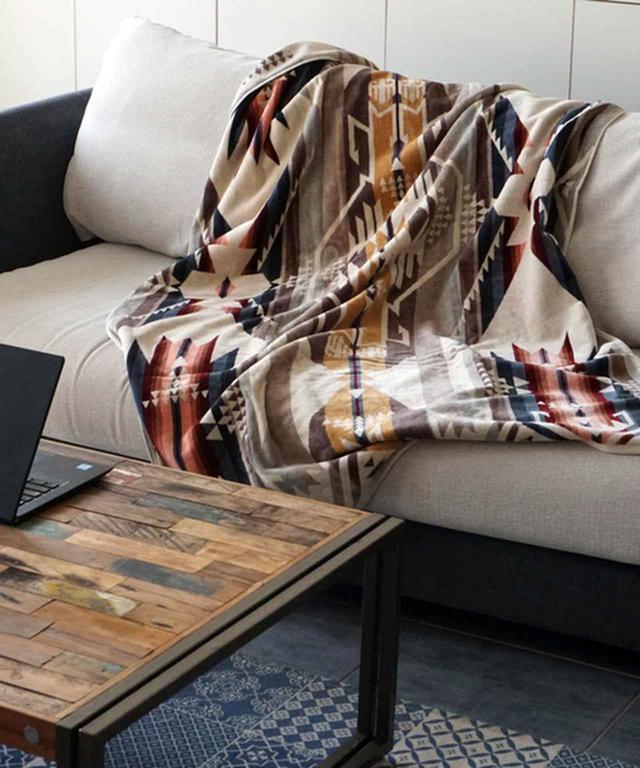 画像: 【PENDLETON】ジャガードバスタオルオーバーサイズ ¥9,680(税込) 出典:ZOZOTOWN