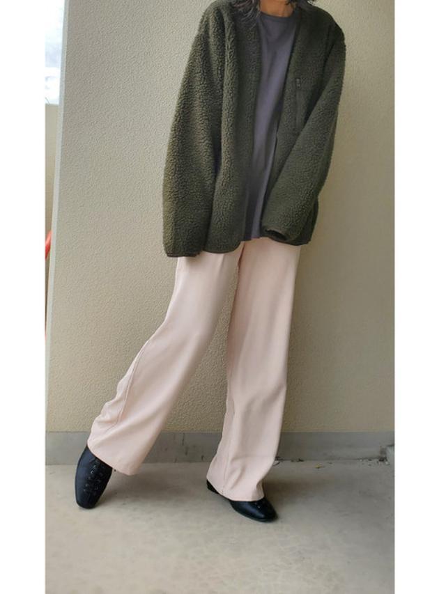 画像: 【ユニクロ】アウター平均価格¥4,000~【FREAK'S STORE】Tシャツ平均価格¥2,000~【MOUSSY】バングル平均価格¥2,000~【VACANCY】パンツ¥3,960(税込)【Fabby fabby】シューズ¥6,578(税込) 出典:WEAR