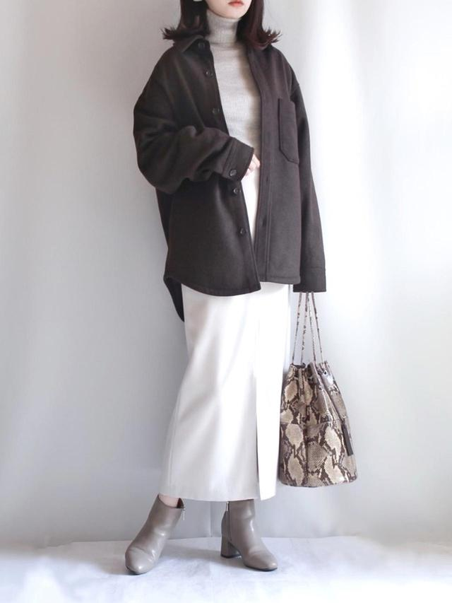 画像: 【Juze】ブーツ¥6,138(税込)【marco masi】バッグ¥27,500(税込) 出典:WEAR