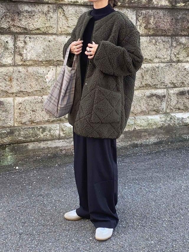 画像: 【ZARA】パンツ平均価格 ¥3,990~【Barbour】ブルゾン¥41,800(税込)【GERMAN TRAINER】スニーカー¥7,590(税込) 出典:WEAR