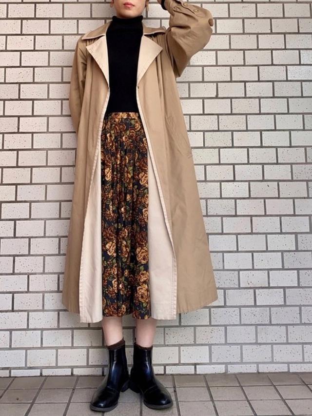 画像: 【used】スカート平均価格¥2,000円 ~ コート平均価格¥5,000〜【haco!】ブーツ¥8,250(税込)【無印良品】ニット平均価格¥990〜 出典:WEAR