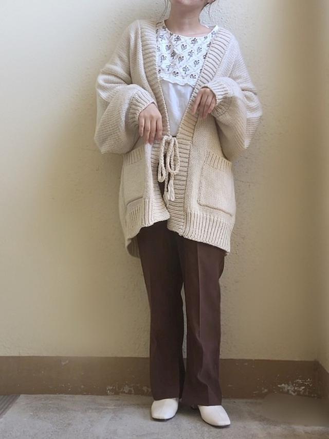 画像: 【apres jour】カーディガン¥2,595(税込)【GRL】ブーツ¥2,138(税込) 出典:WEAR