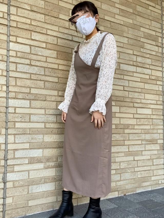 画像: 【Ray Cassin】ワンピース¥5,390(税込)【Honeys】シャツ¥1,980(税込) 出典:WEAR