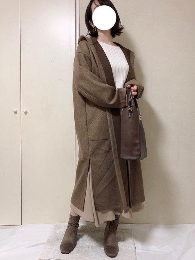 画像: 【GU】コート¥2,990(税抜)ブーツ平均価格¥2,990~【SENSE OF PLACE by URBAN RESEARCH】スカート¥4,290(税込) 出典:WEAR