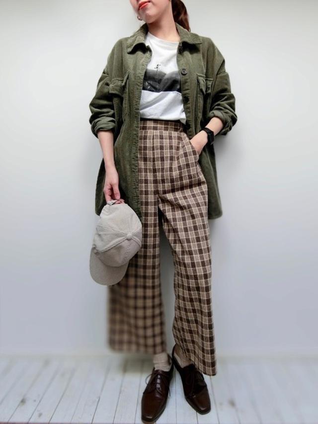画像: 【しまむら】シャツ平均価格¥3,000~ パンツ平均価格¥2,000~ 【Honeys】Tシャツ¥980(税込) 出典:WEAR