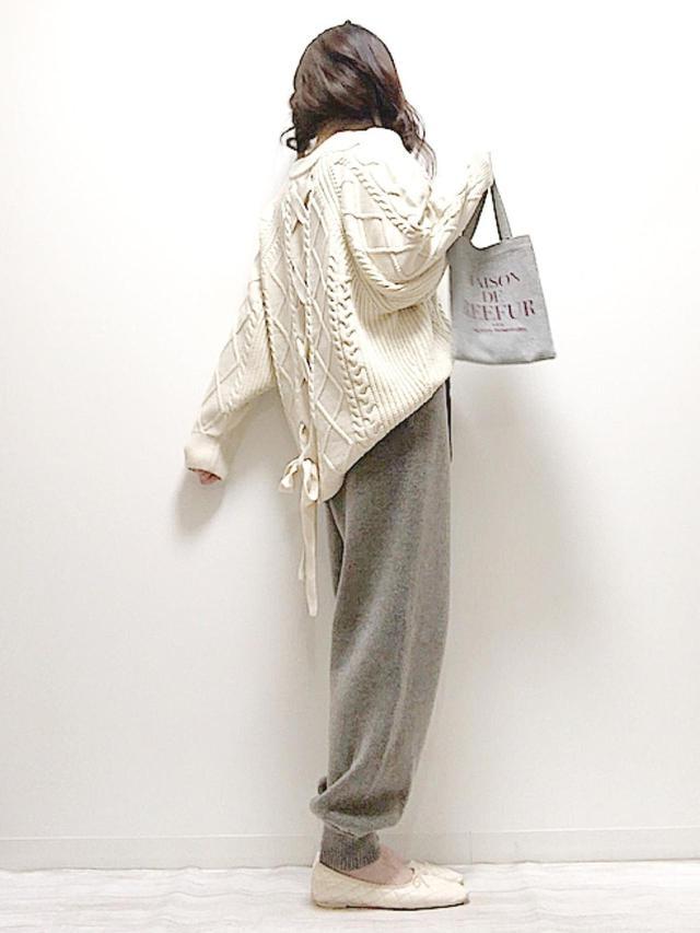 画像: 【ZARA】ニットパンツ平均価格 ¥4,990~【socolla】ニット¥7,590(税込) 出典:WEAR
