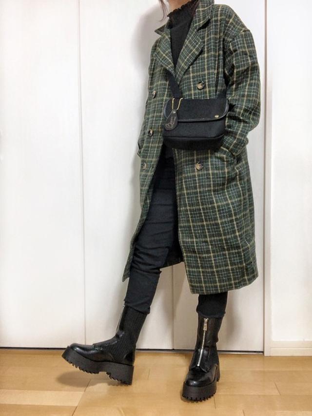 画像: 【GLR】パンツ¥915(税込) ニット¥1,221(税込) コート¥3,361(税込)【ZARA】ブーツ平均価格¥6,000~ 出典:WEAR