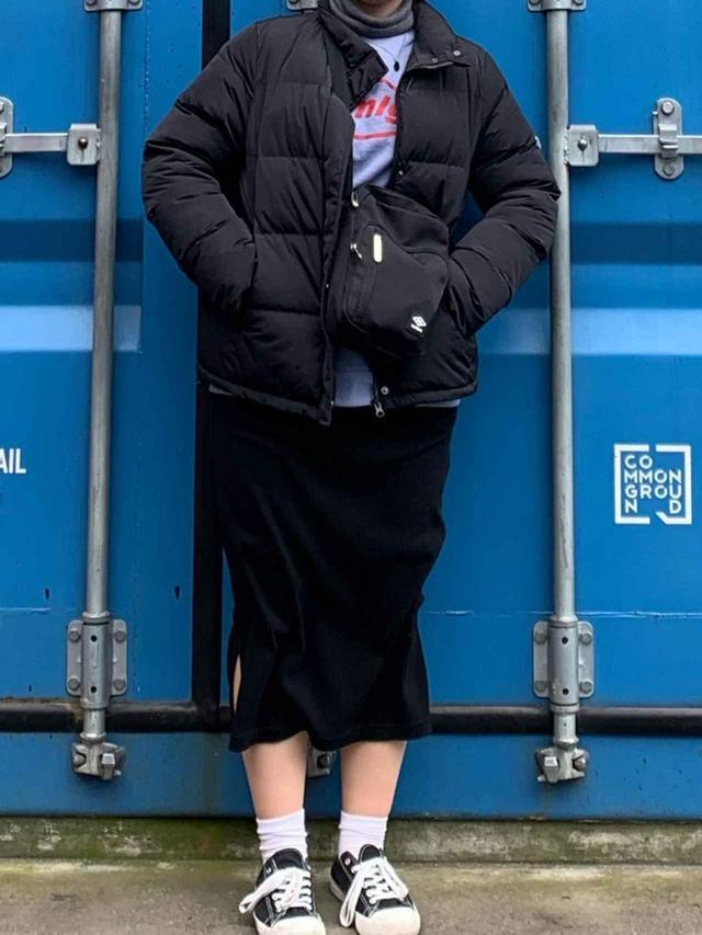 画像: 【無印良品】ジャケット¥12,900(税込) スニーカー¥2,990(税込)【参考商品】トップス スカート 出典:WEAR