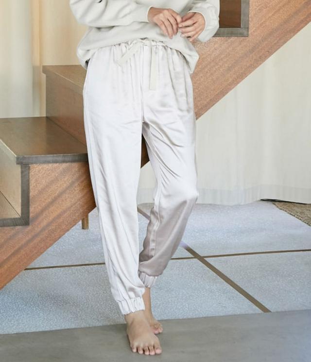 画像: ViS / 【ViSage】グロッシーサテンジョグパンツ (パンツ / パンツ) 通販|J'aDoRe JUN ONLINE