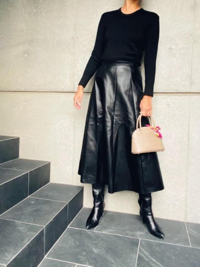 画像: 【ZARA】ニット平均価格¥6,000~【参考商品】スカート ブーツ バッグ 出典:WEAR